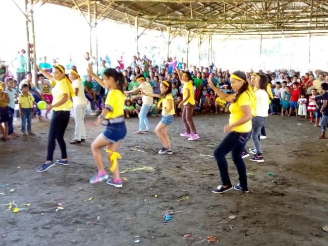 Yellow team winning