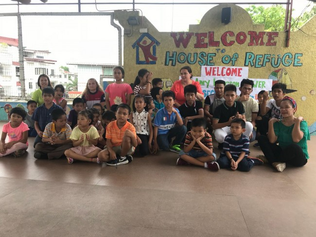 Amy visits the House of Refuge Orphanage in Manila.