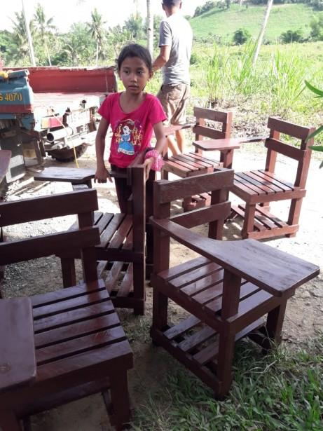 Schoolchairs2